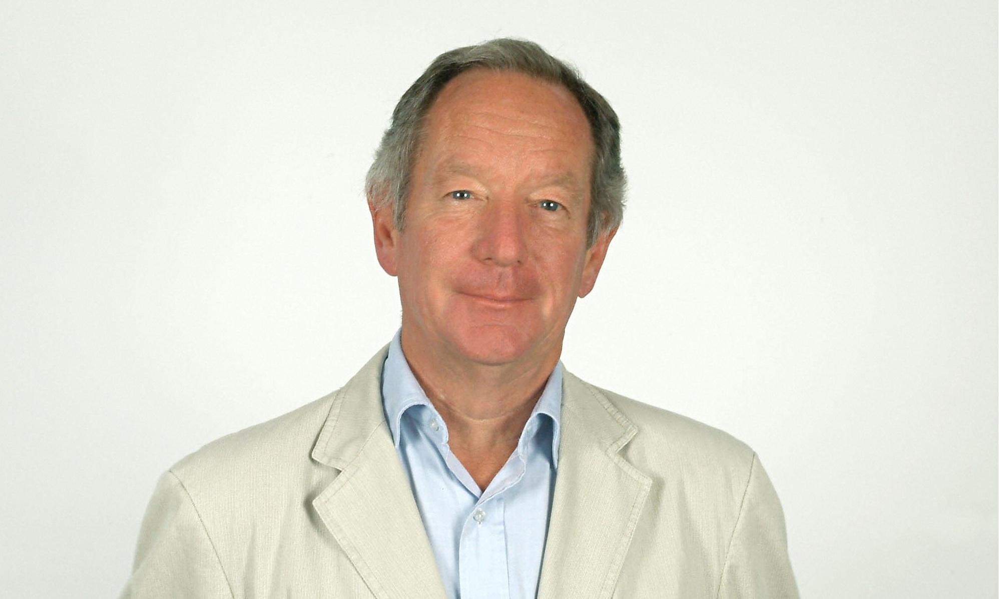 michael buerk how tall