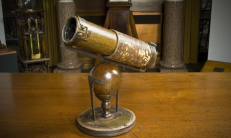 Reflecting telescope, built by Isaac Newton in 1668