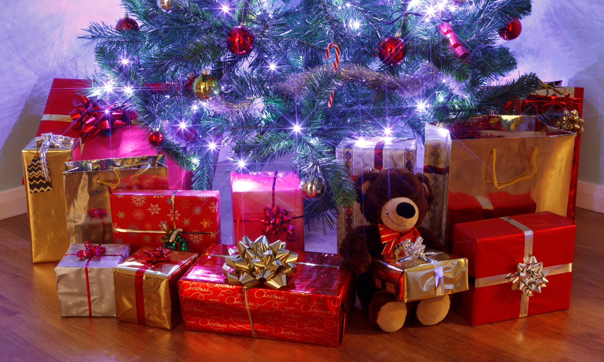 Елка под ней подарки фото