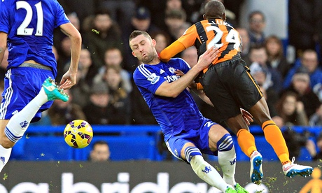 Hull's Steve Bruce angry after Gary Cahill escapes card for 'dive'