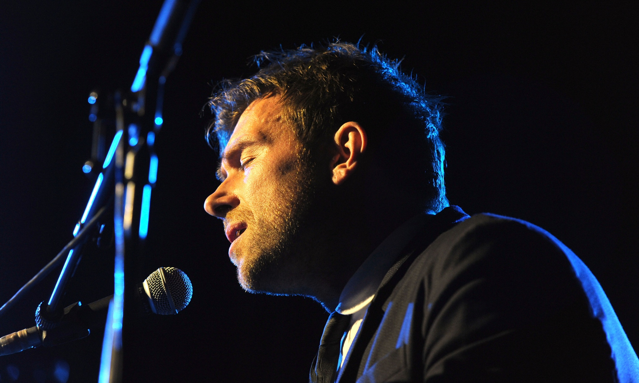 Damon albarn at sydney opera house review a collective for Emotional house music