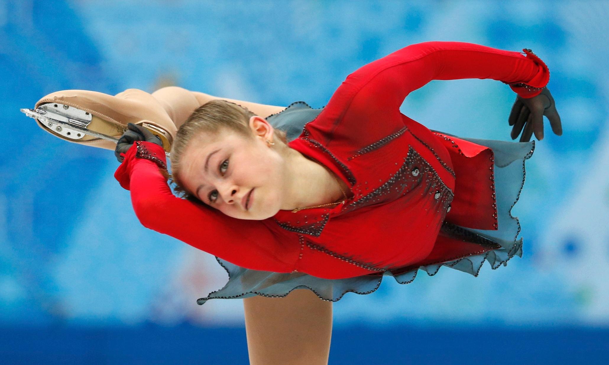 Sochi 2014: Yulia Lipnitskaya wows crowds at the Winter
