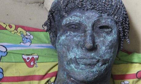 A-bronze-statue-of-the-Gr-009.jpg