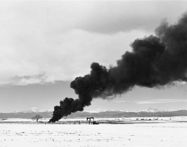 Burning oil sludge, north of Denver, Colorado, 1973-1974 Courtesy Fraenkel Gallery, San Francisco and Matthew Marks Gallery, New York.