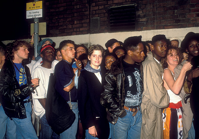 The dawn of a rave new world in pictures music the for Acid house 1988