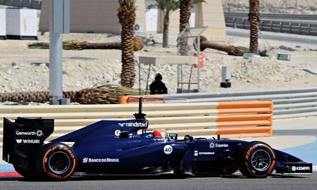 Felipe Massa tests his Williams in Bahrain
