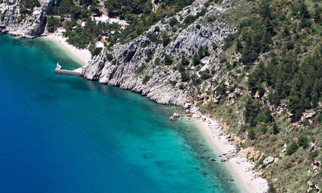 Beach in the Bay of Vrulja near Brela, Dalmatia, Croatia, Europe