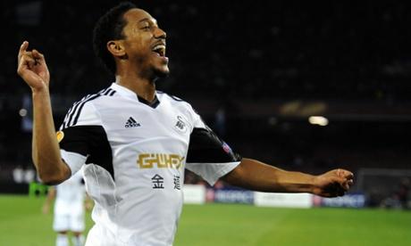 Swansea's Jonathan de Guzmán celebrates his equaliser.