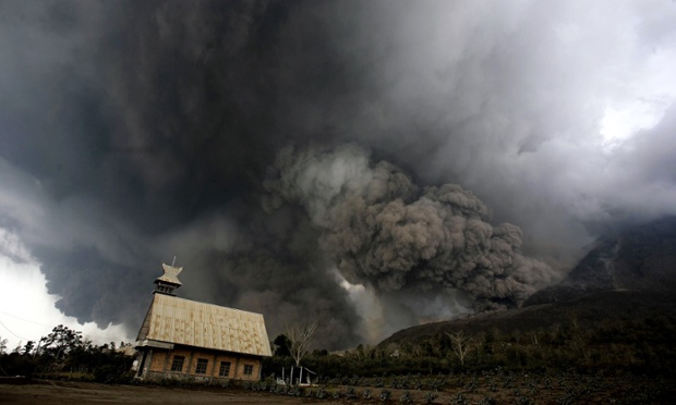 Mounth Sinabung spews volcanic material over Karo