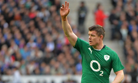 Brian O'Driscoll leave the pitch