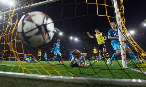 Sebastian Kehl heads home a nerve-settler for Borussia Dortmund.