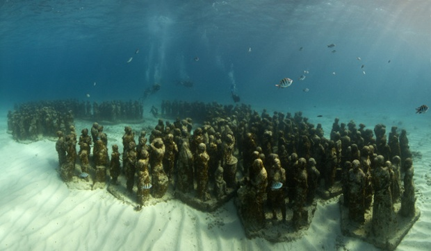 The Silent Evolution (450 statues) MUSA Collection 2010 Depth 8m Manchones Reef, Mexico.