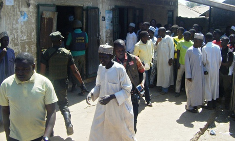 A crowd outside a sharia court in Bauchi