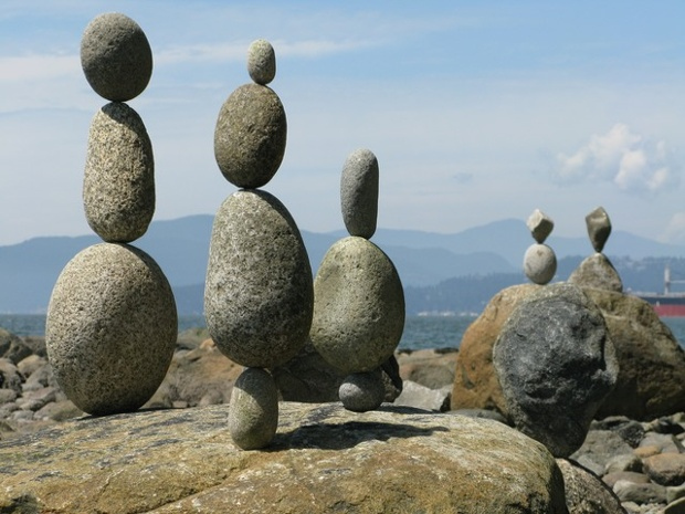 balanced rocks in stanley park vancouver