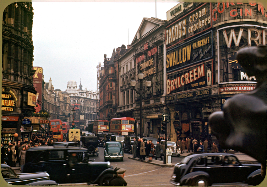 Piccadilly-Circus-002.jpg