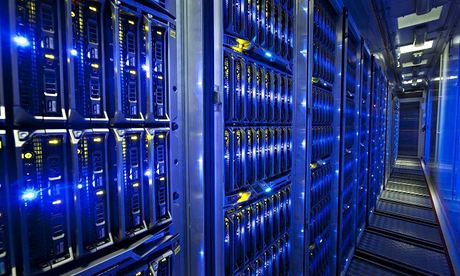 GreenQloud 008 Google, Facebook and Apple lead on green data centers