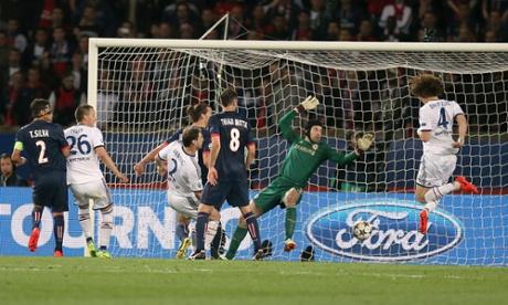 Chelsea's David Luiz scores an own goal to make the score PSG 2-1 Chelsea.