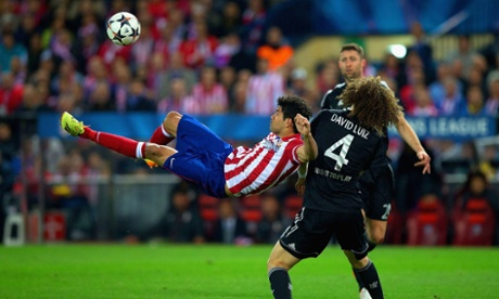 Diego Costa tries an acrobatic effort but the body shape is far superior to the execution.