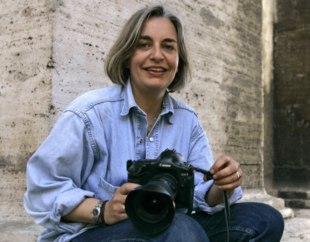 Photographer Anja Niedringhaus in Rome in 2005