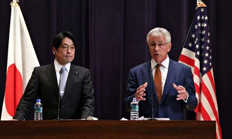 Chuck Hagel and Japanese defence minister Itsunori Onodera