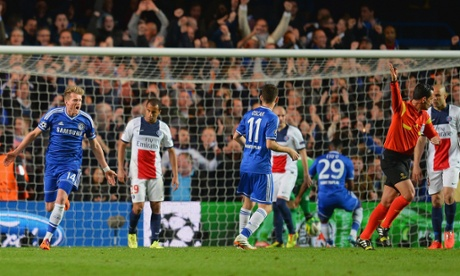 André Schürrle, left, turns to celebrate scoring their Chelsea's opening goal