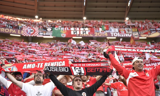 Benfica fans react to the news that the Simpsons are teaming up with Family Guy.