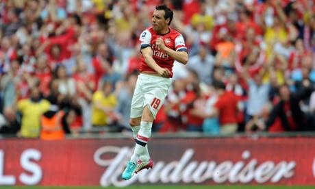 Santi Cazorla brings Arsenal back to 2-1.