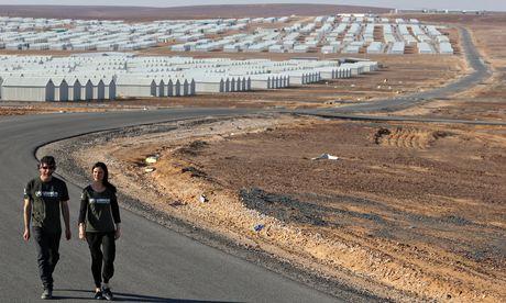 'So many ways to die in Syria now': Neil Gaiman visits a refugee camp in Jordan