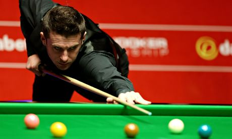 Mark Selby beat Neil Robertson 17-15 to reach his second World Championship final