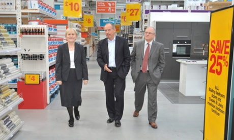 Sir Ian Cheshire visits a Scottish branch of B&Q
