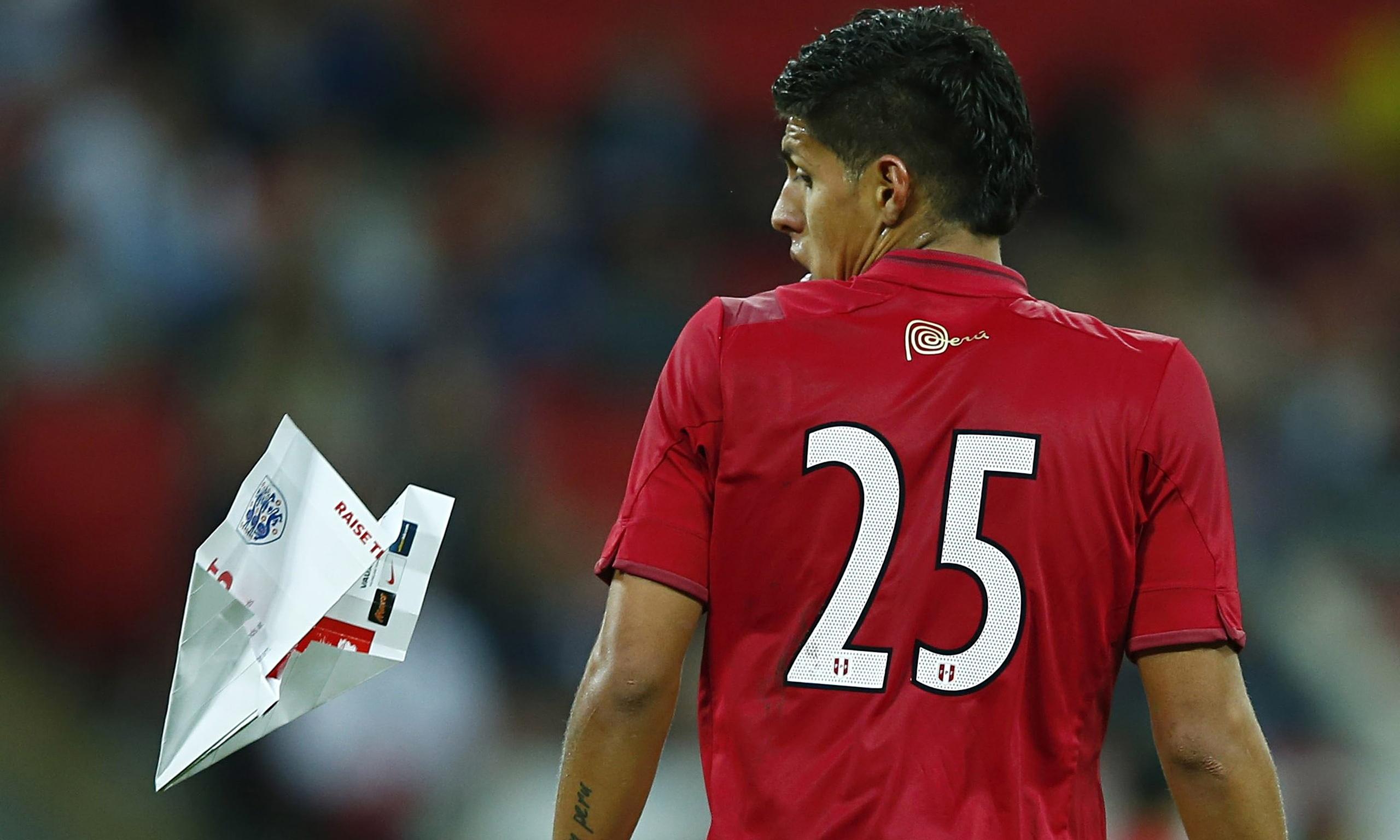 Hansell Riojas Paper plane hits Peru player during England friendly at