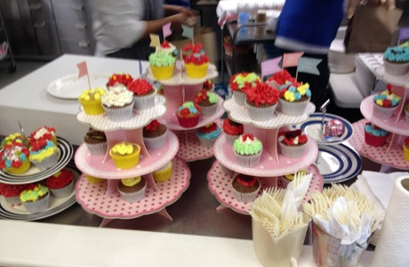 Cake Decorating Centre Jeddah : Highlights and updates from Guardian volunteering week ...