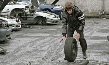 Casse follows a handful of characters foraging for car parts in a Paris scrapyard.