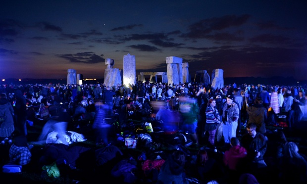 Crowds gather at Stonehenge in Wiltshire for summer solstice 2014