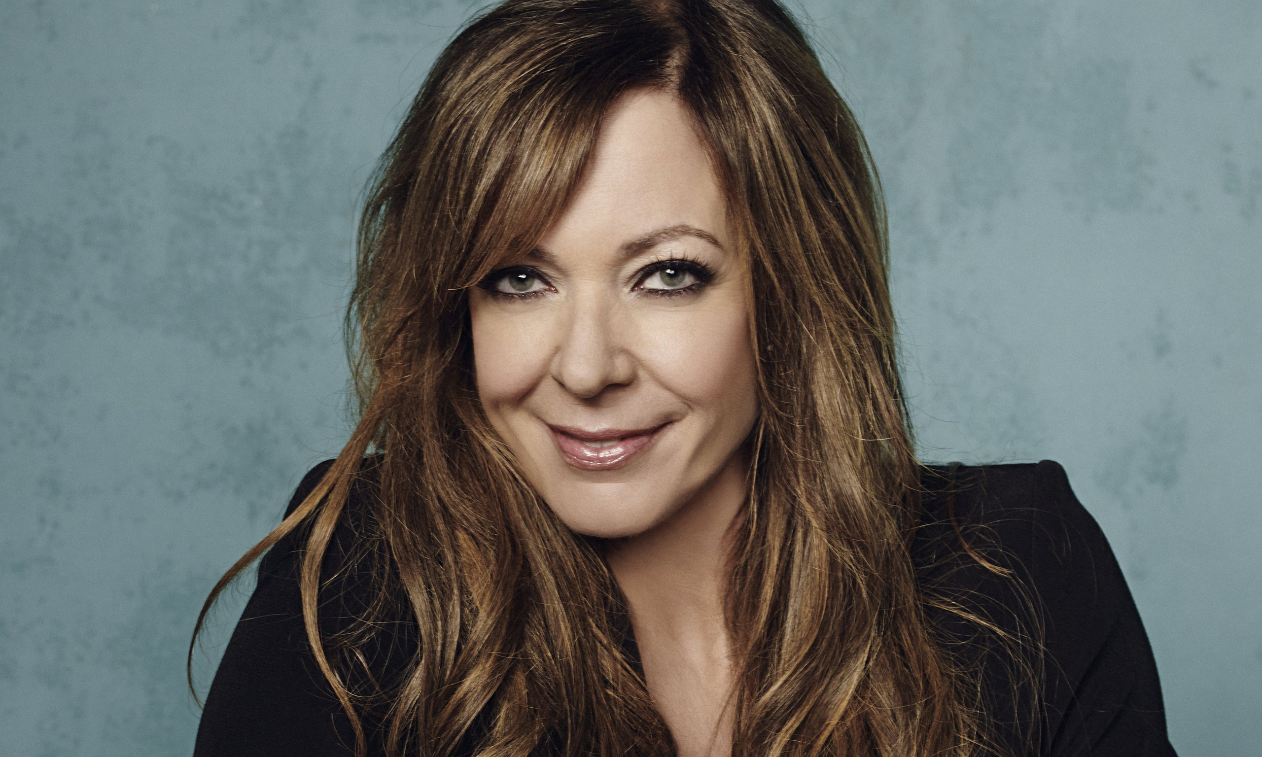 Allison Janney earned a  million dollar salary, leaving the net worth at 2 million in 2017