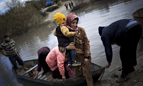 Refugees flee to Turkey via the Orontes River