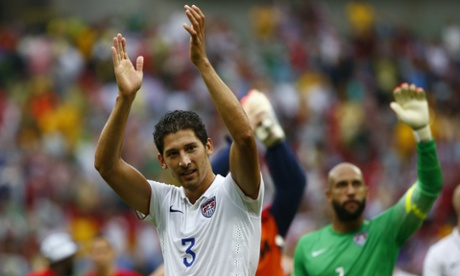 Omar Gonzalez of the U.S. and teammate Tim Howard react after qualifying.