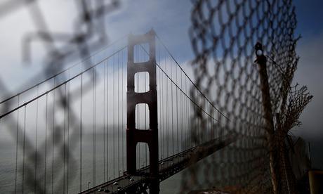 Golden Gate Bridge board approves suicide net for bridge