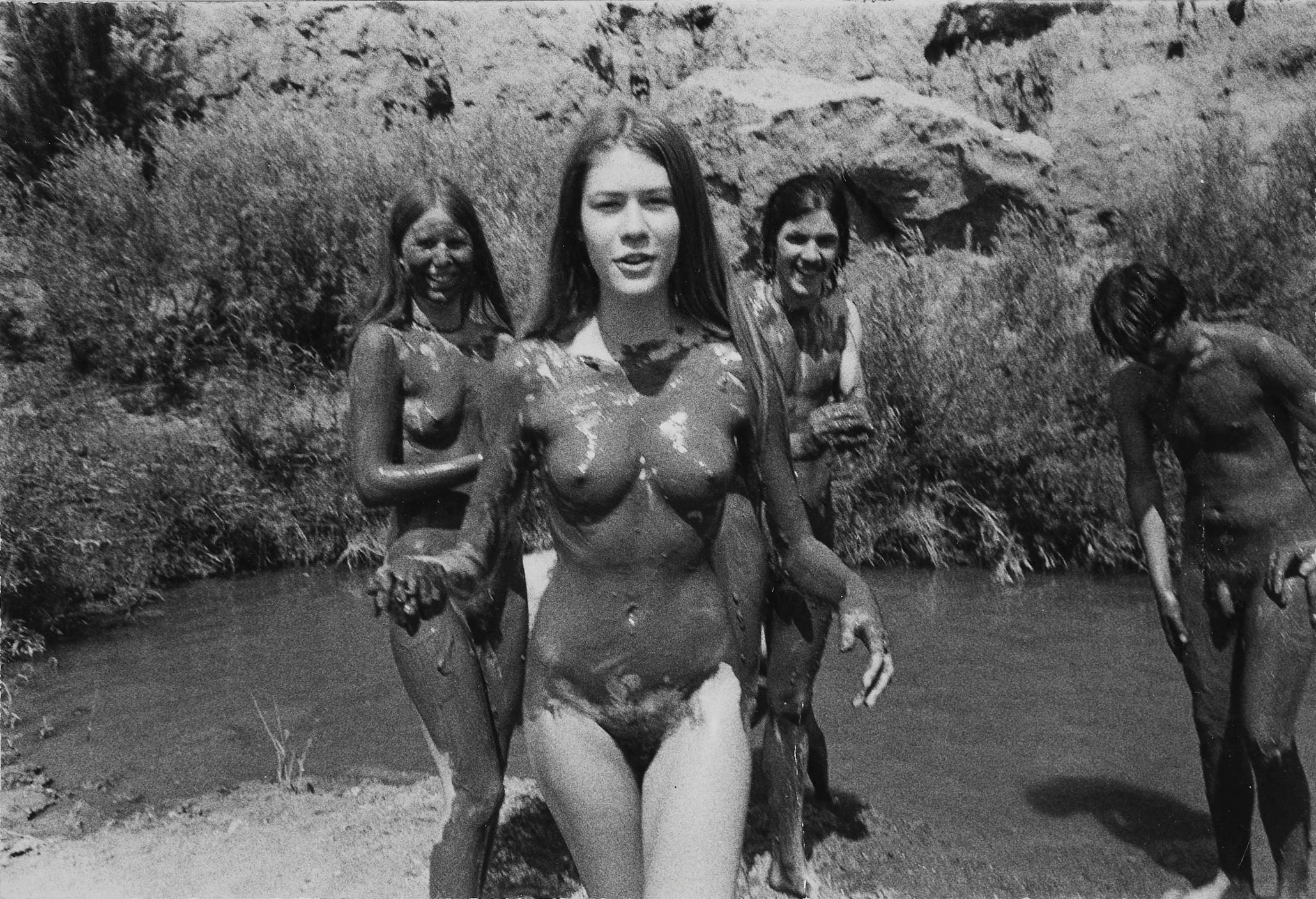 batman girls nude photos