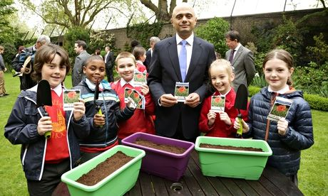 Culture secretary Sajid Javid plants poppies with school pupils in the Downing Street garden
