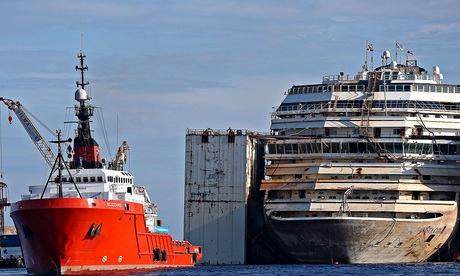 Costa Concordia says goodbye to Giglio as it embarks on final voyage