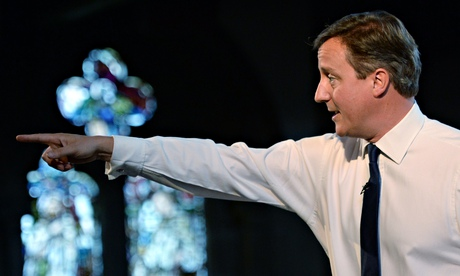 David Cameron considers basing himself in Scotland before referendum