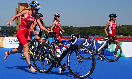 Commonwealth Games: Englands Jodie Stimpson takes triathlon gold