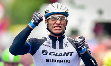 Marcel Kittel wins stage 2 of the Giro d'Italia 2014 into Donegall Square, Belfast