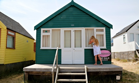 Dorset beach hut on market for £225,000