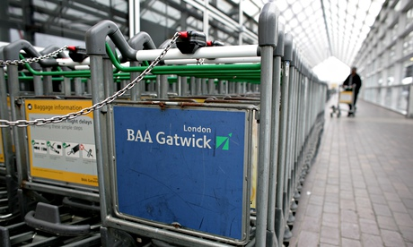 Gatwick brings in reinforcements after baggage delays