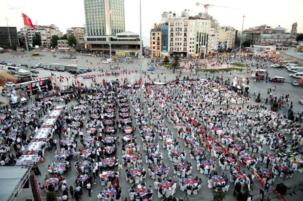N13 Gambar Sambutan Ramadan Di Seluruh Dunia