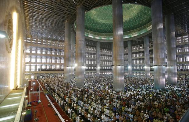 13 Gambar Sambutan Ramadan Di Seluruh Dunia