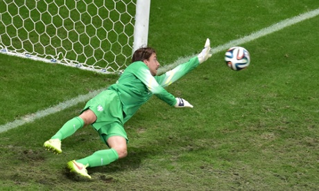 Krul saves from Umana.
