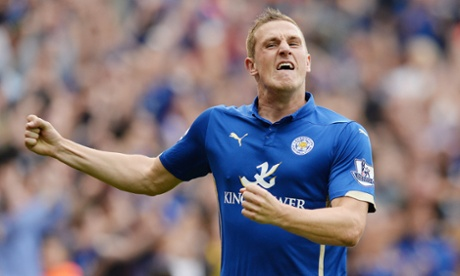 Chris Wood almost joined Wolves this week but stayed at Leicester and has now come off the bench to score, its 2-2 at the King Power stadium now as well.